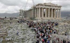 acropolis_tourists