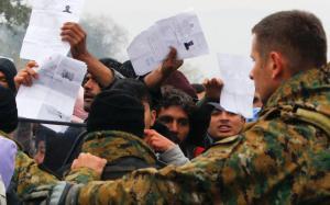 migrants_fyrom-thumb-large